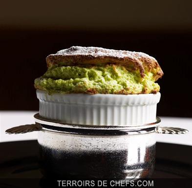 Souffl a la pistache une recette de jean pierre vigato - Arte la cuisine des terroirs ...