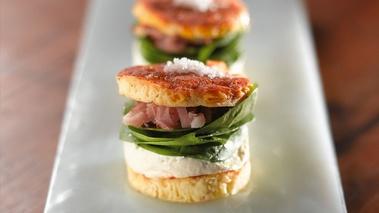 Hamburger au reblochon de savoie marc veyrat de chefs - Recette de cuisine gastronomique de grand chef ...
