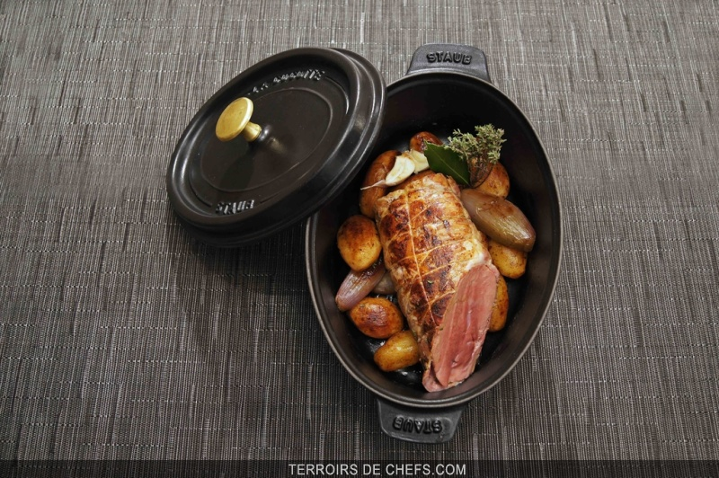 r ti de foie de veau en cocotte chalotes confites et pommes fondantes aux aromates. Black Bedroom Furniture Sets. Home Design Ideas