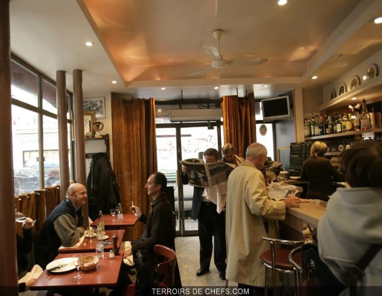 Caf 233 Constant Guide Des Restaurants Parisiens Des