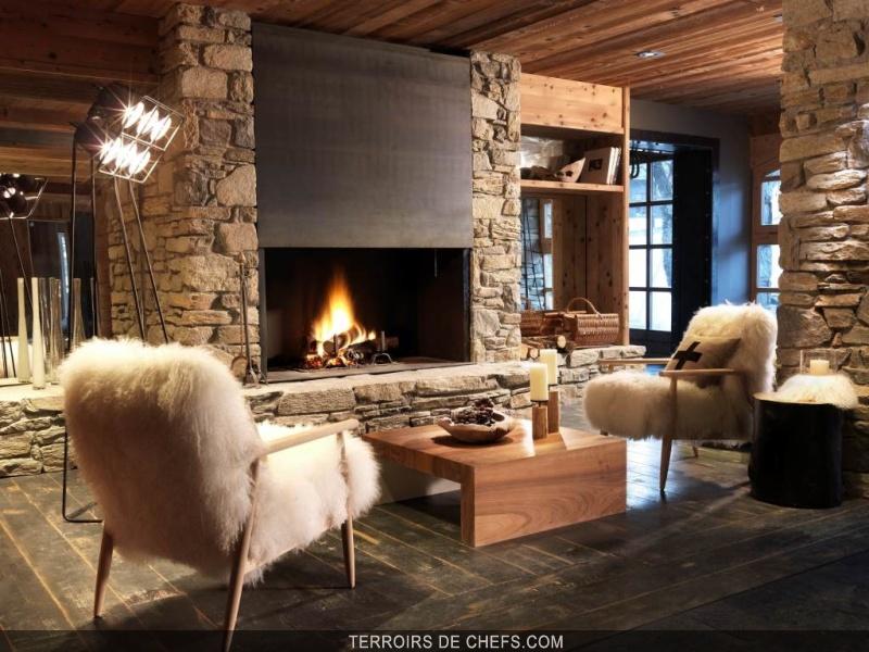ouverture du m de meg ve nouveau 5 toiles de la station. Black Bedroom Furniture Sets. Home Design Ideas